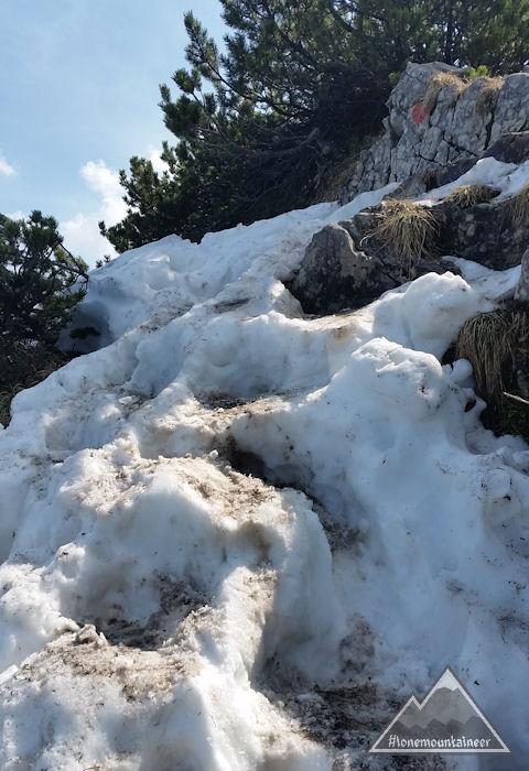 Schnee auf dem Weg zur Freudenreichkapelle